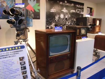 昔の映像機器も展示してました