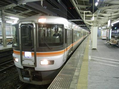 浜松駅で撮影した「ムーンライトながら」